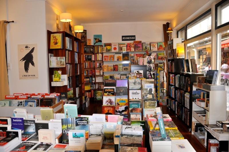 Vos adresses de librairies insolites... - Page 11 A418