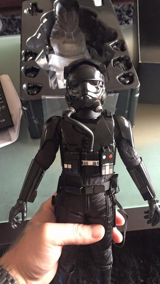 Hot Toys Star Wars: TFA 1/6th scale First Order TIE Pilot 12417810