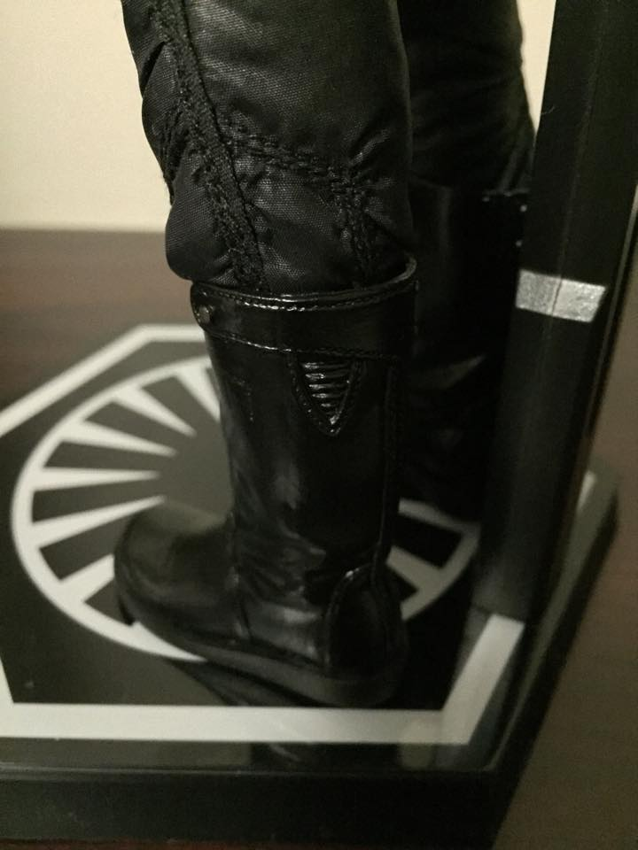 Hot Toys Star Wars: TFA 1/6th scale First Order TIE Pilot 12418010