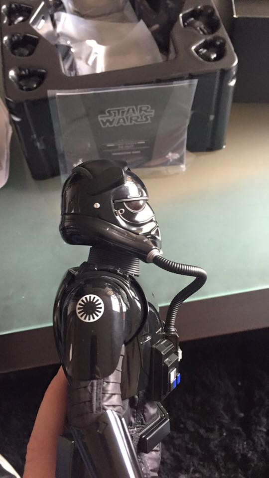Hot Toys Star Wars: TFA 1/6th scale First Order TIE Pilot 12717610