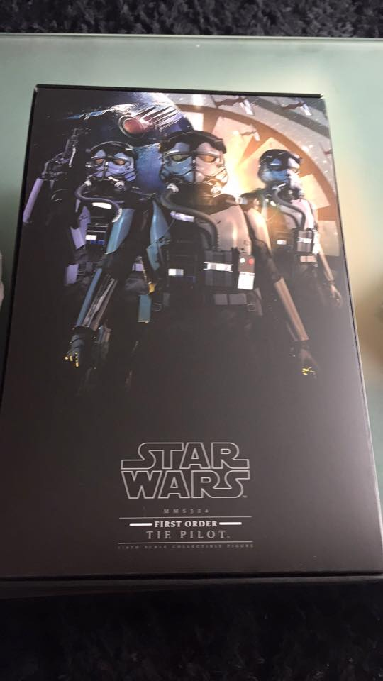 Hot Toys Star Wars: TFA 1/6th scale First Order TIE Pilot 12919710