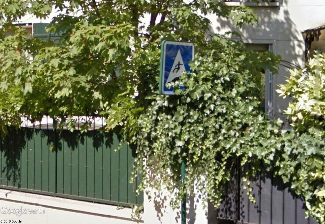 STREET VIEW : les panneaux routiers - Page 4 Colomb10