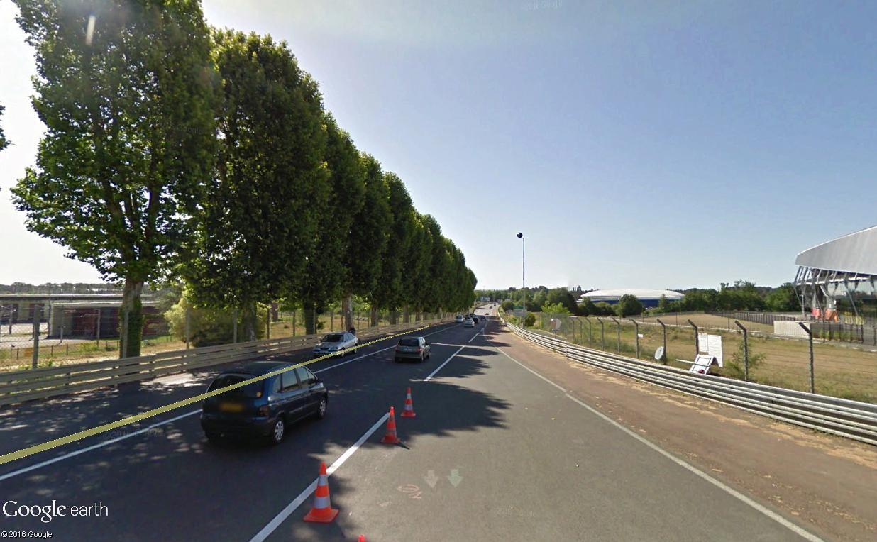STREET VIEW : 2 sens de circulation = 2 saisons différentes vues de la Google Car ! [A la chasse !] - Page 2 Hunaud10