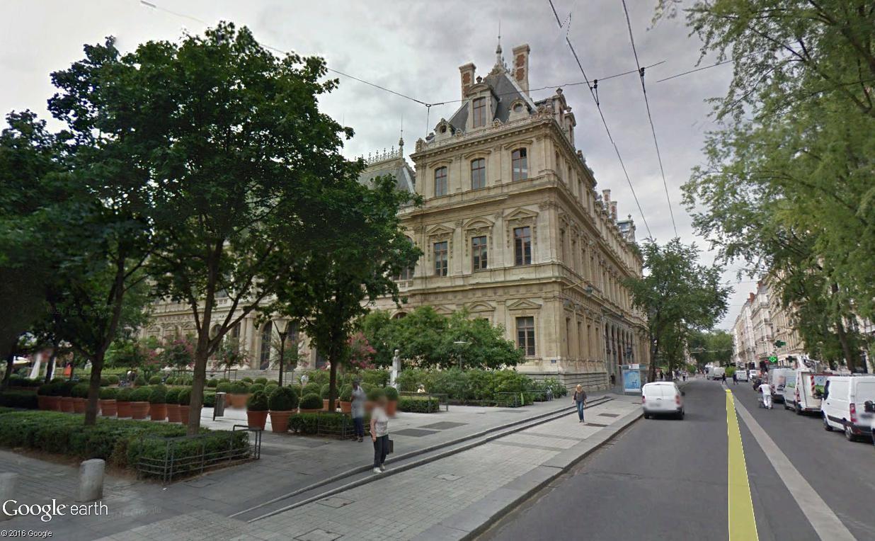 STREET VIEW : 2 sens de circulation = 2 saisons différentes vues de la Google Car ! [A la chasse !] - Page 2 Lyon_m11