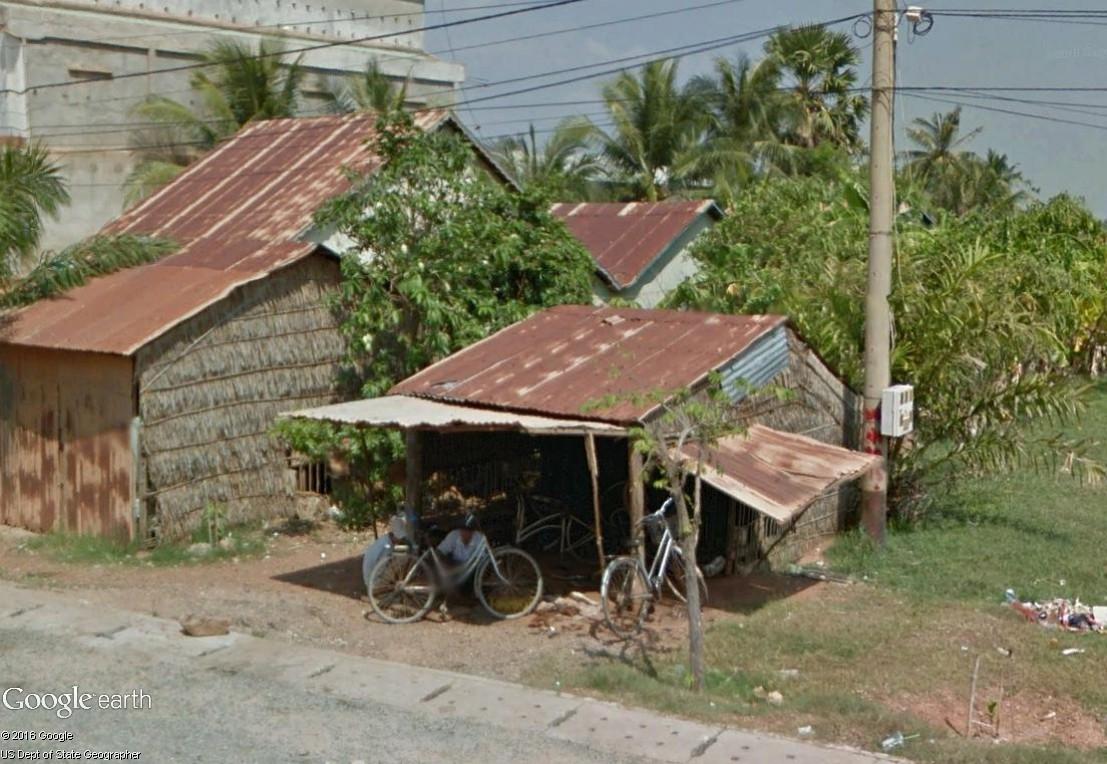 STREET VIEW : les petits boulots, image de la précarité moderne Rypara10