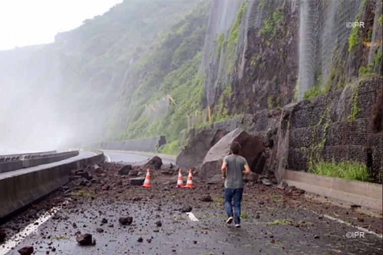[Bientôt visible sur Google Earth]  La nouvelle route du Littoral, la Réunion Yboule10
