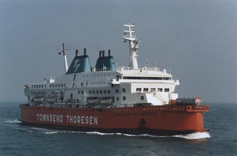 Les naufrages et les crash dans la Marine Hofe10