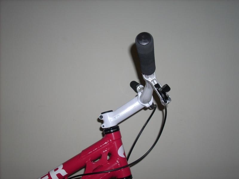 stem/handlebar set up Sweep10