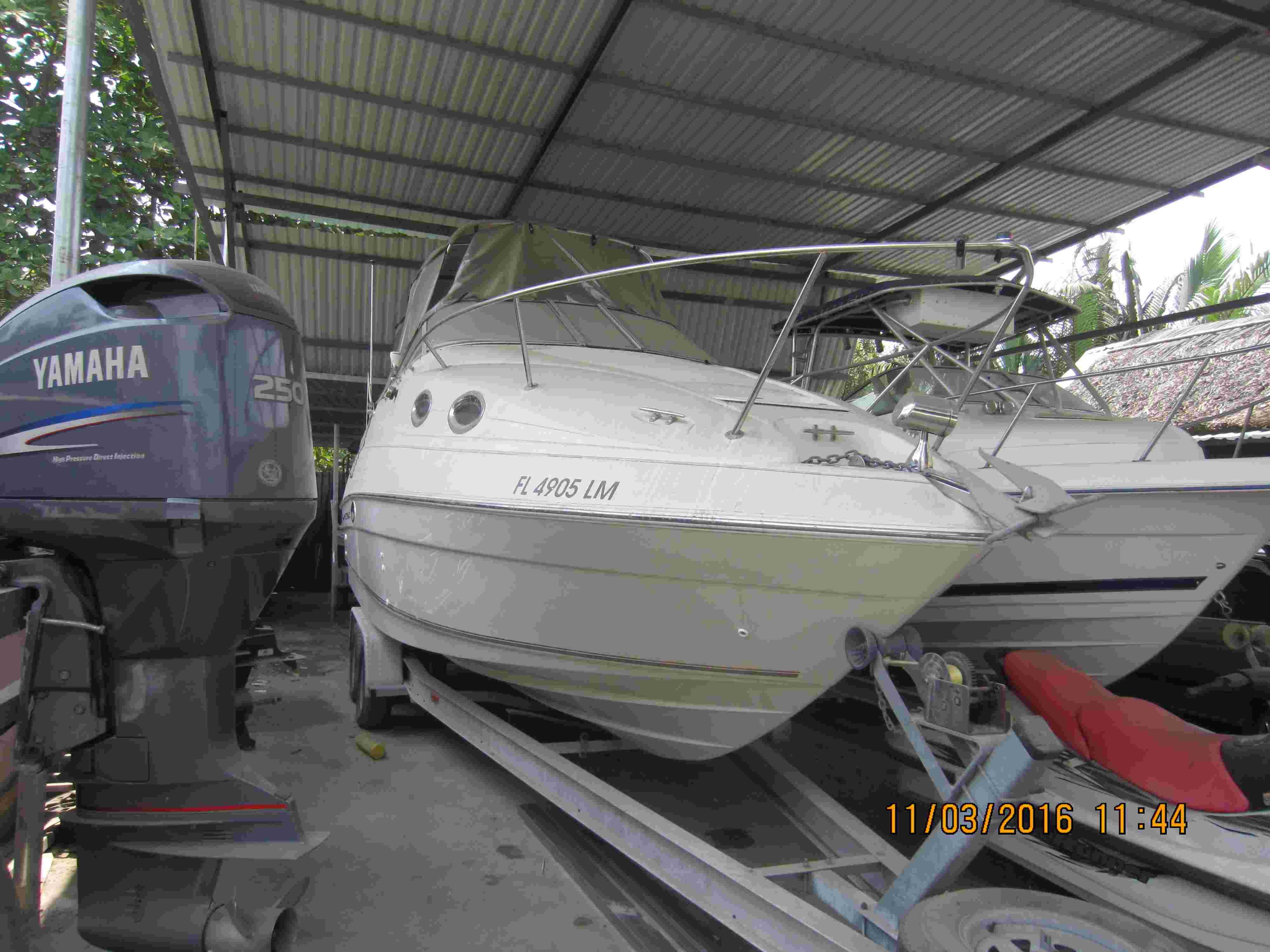 Cần bán du thuyền Regal 2460 mới 95% Img_3410