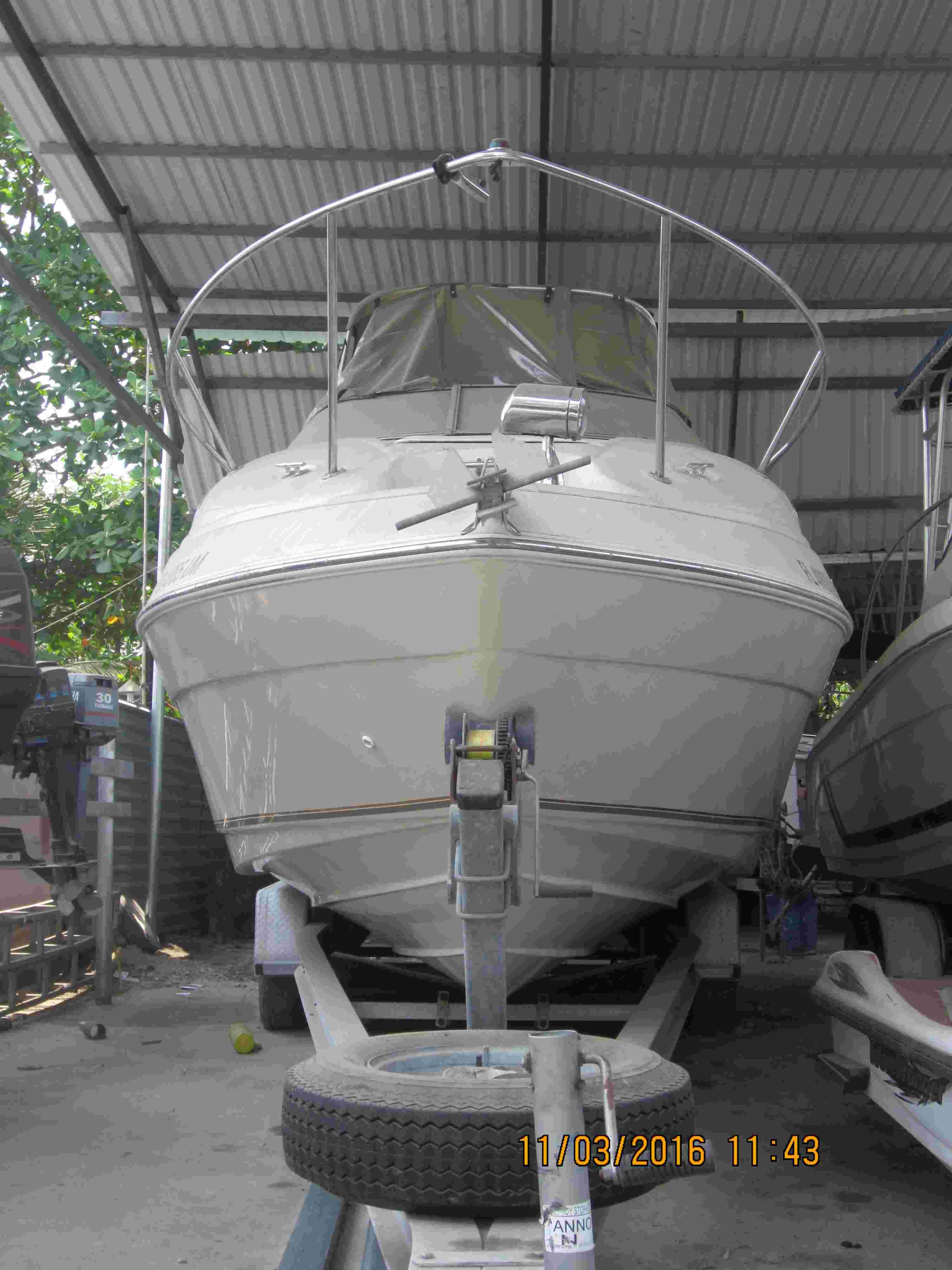 Cần bán du thuyền Regal 2460 mới 95% Img_3411