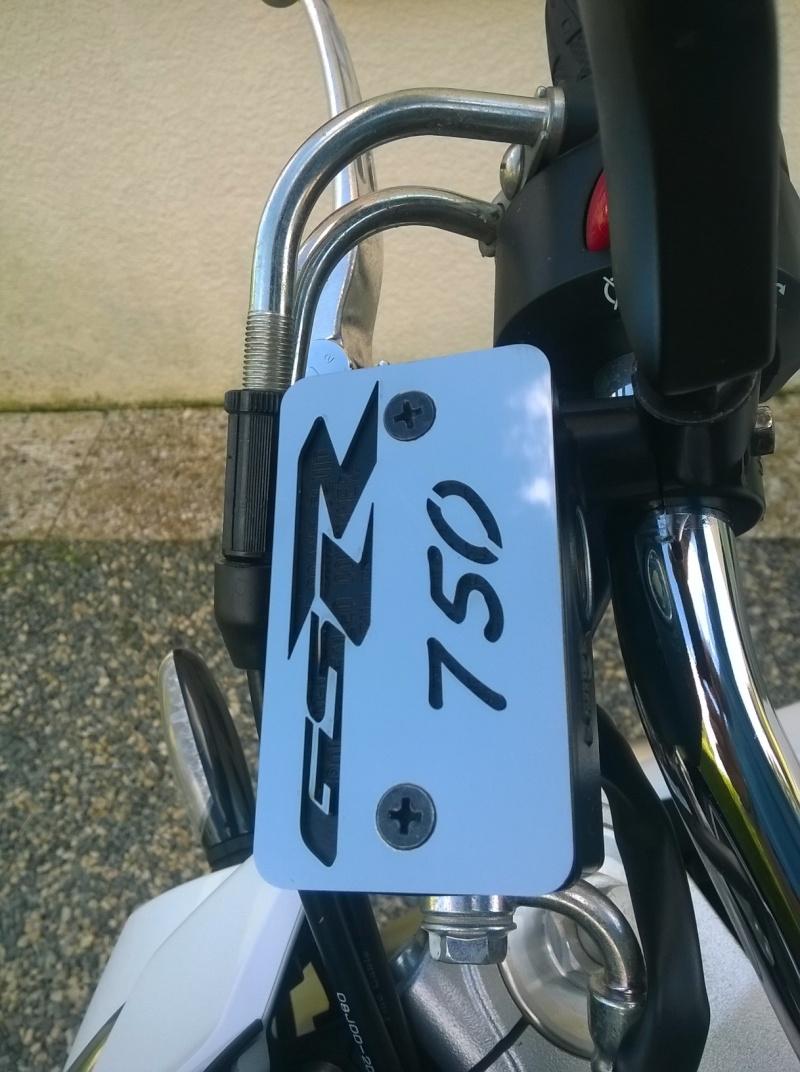 couvercle de bocale de frein avant Wp_20124
