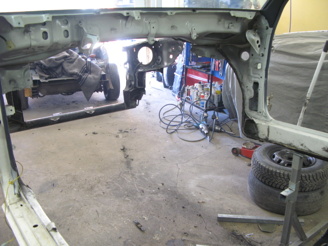 "Golden Boy - Toyota Starlet ""Starvo"" RWD - Sida 3 Korta_35"