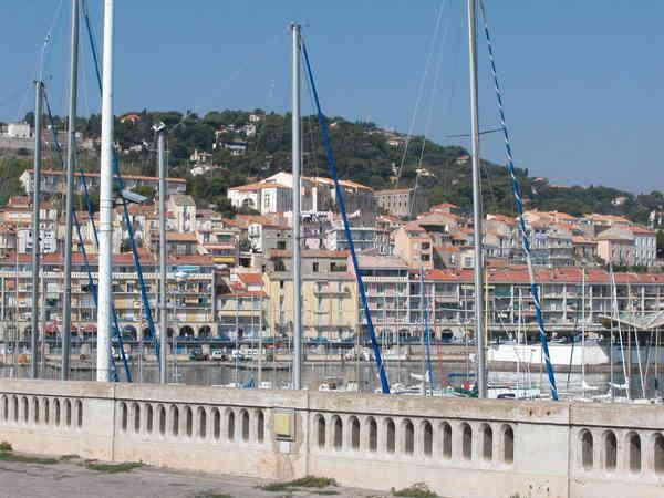 8. Almanach de l'Abbé té, Octobre 2009. Port10