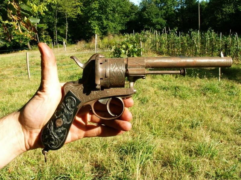 Revolver EL couronné Pict0113