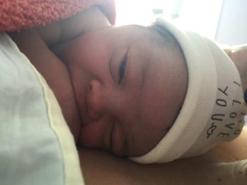Il est né le petit enfant ..... 2016-310
