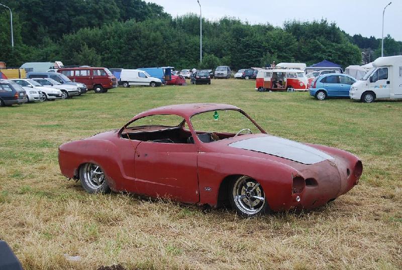 le low light au rusty car's garage 77936210