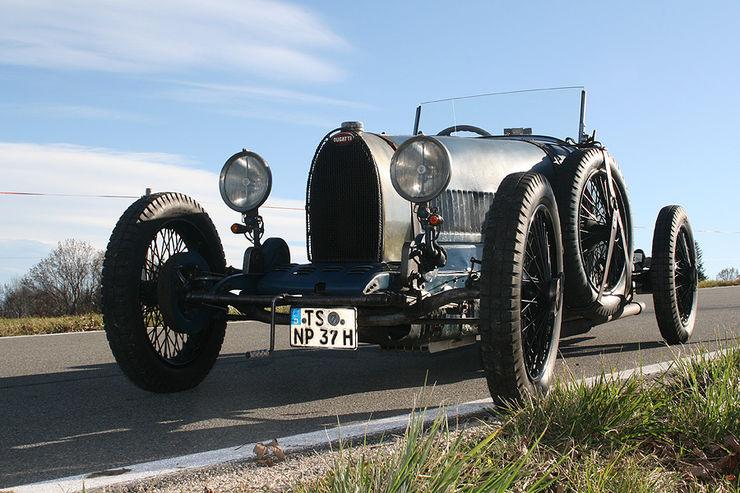 Bugatti le Pur Sang - Page 2 Bugatt11