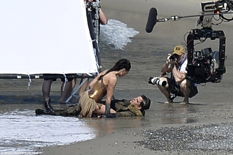 Wonder Woman ( WB ) Wonder12