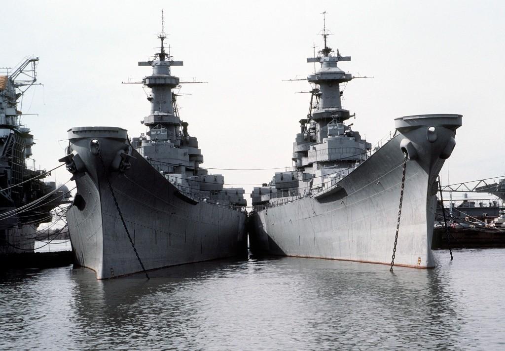 Les grands cuirassés de la WWII Uss_io10