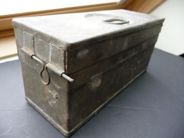 Petite caisse à munitions?? P1090429
