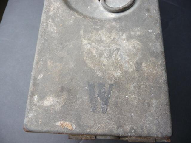 Petite caisse à munitions?? P1090431