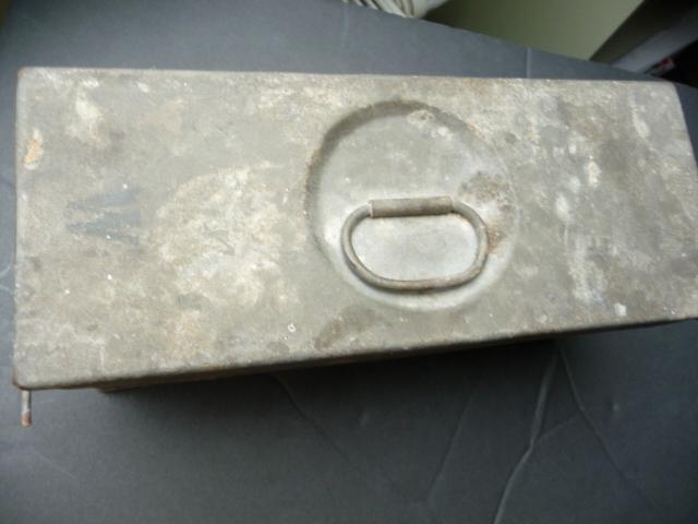 Petite caisse à munitions?? P1090432