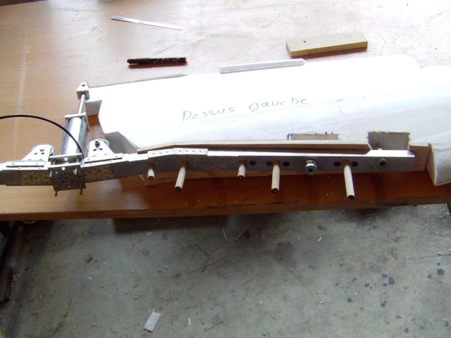 Construction du Fockewul 190 de Karl Achenbach - Page 4 Imag0047