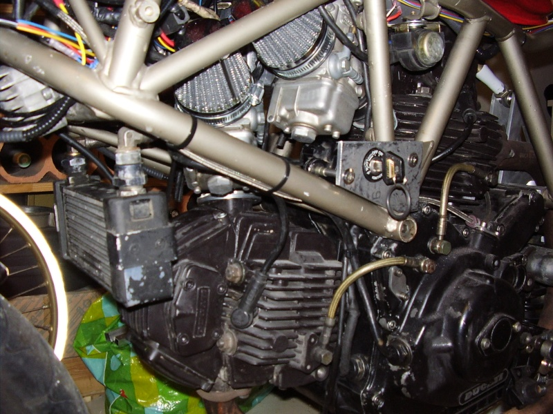 Reconstruction de ma 900ss-->transfo en Dirt Fighter P 15 ! - Page 4 P3230010