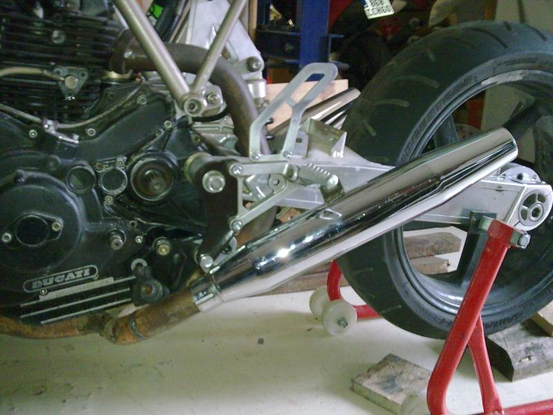 Reconstruction de ma 900ss-->transfo en Dirt Fighter P 15 ! - Page 4 Photo012