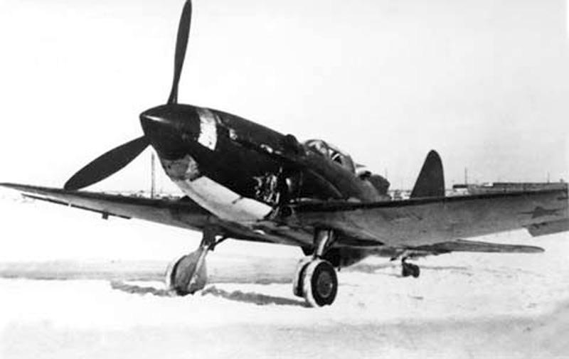 les avions prototypes Sukhoi10