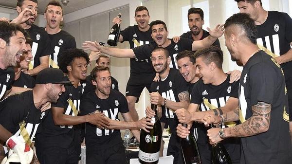Juventus................................. - Pagina 4 Juve12