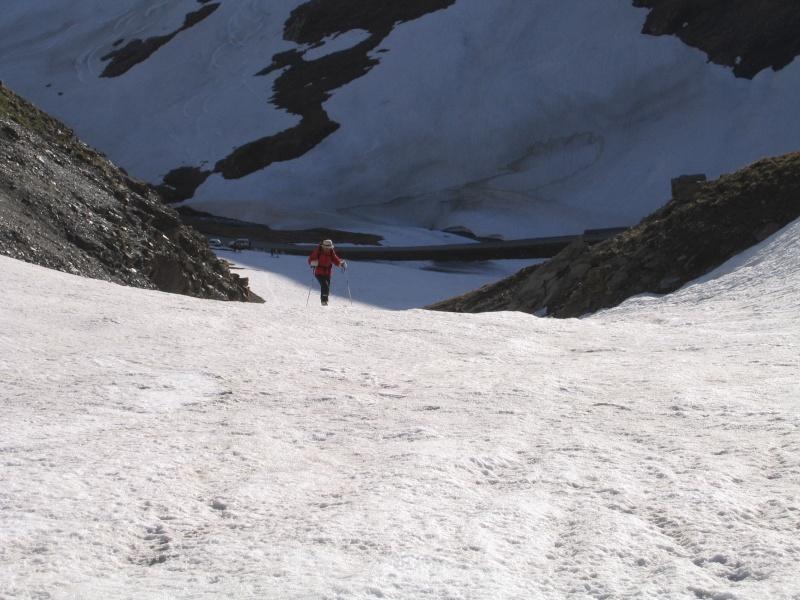 Pointe Nord de Bézin à skis, dimanche 14 juin 2009 2009_035