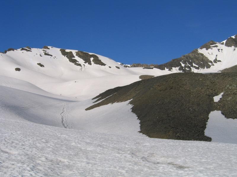 Pointe Nord de Bézin à skis, dimanche 14 juin 2009 2009_040