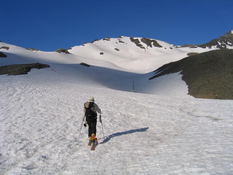 Pointe Nord de Bézin à skis, dimanche 14 juin 2009 2009_041