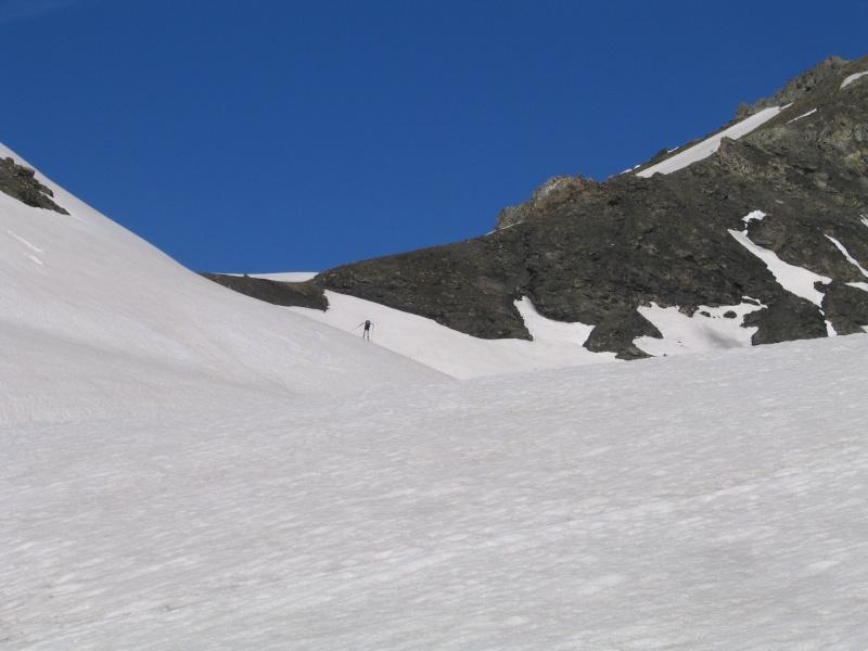 Pointe Nord de Bézin à skis, dimanche 14 juin 2009 2009_042