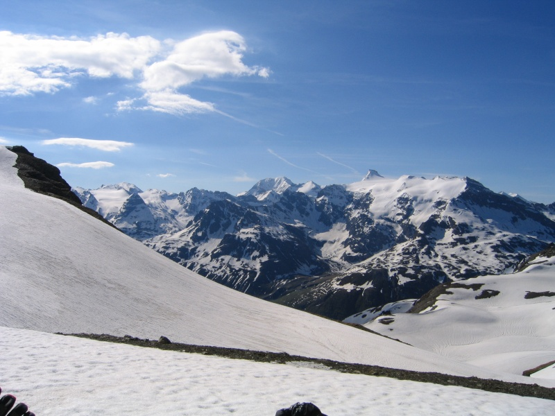 Pointe Nord de Bézin à skis, dimanche 14 juin 2009 2009_046