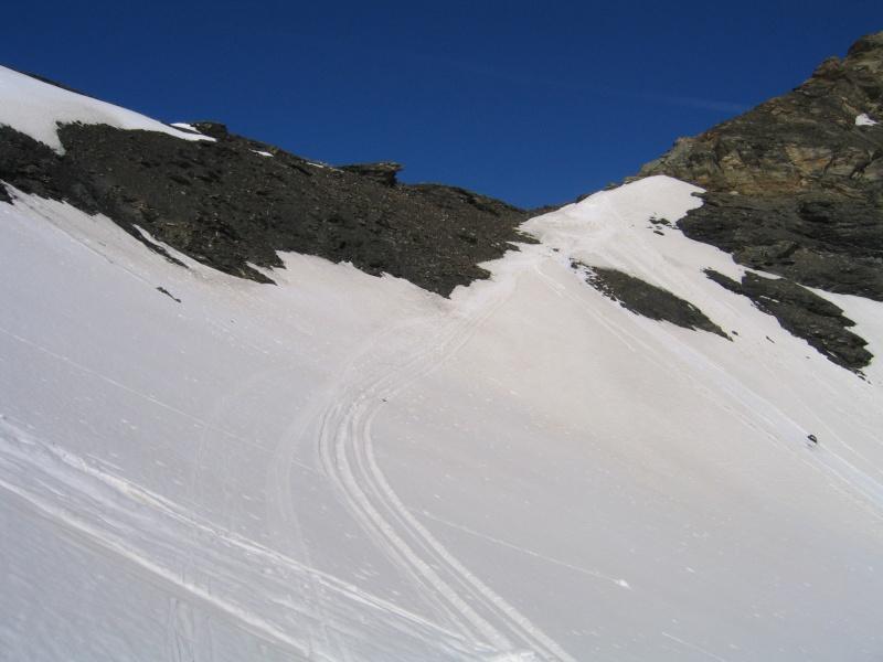 Pointe Nord de Bézin à skis, dimanche 14 juin 2009 2009_048