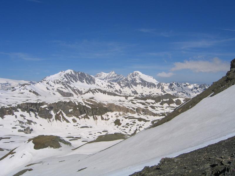 Pointe Nord de Bézin à skis, dimanche 14 juin 2009 2009_049