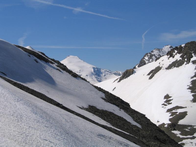 Pointe Nord de Bézin à skis, dimanche 14 juin 2009 2009_051