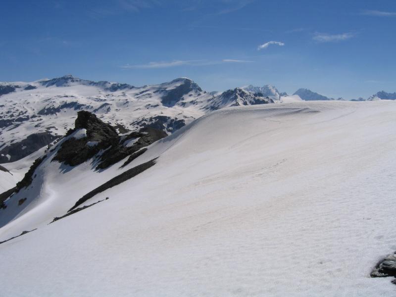 Pointe Nord de Bézin à skis, dimanche 14 juin 2009 2009_054