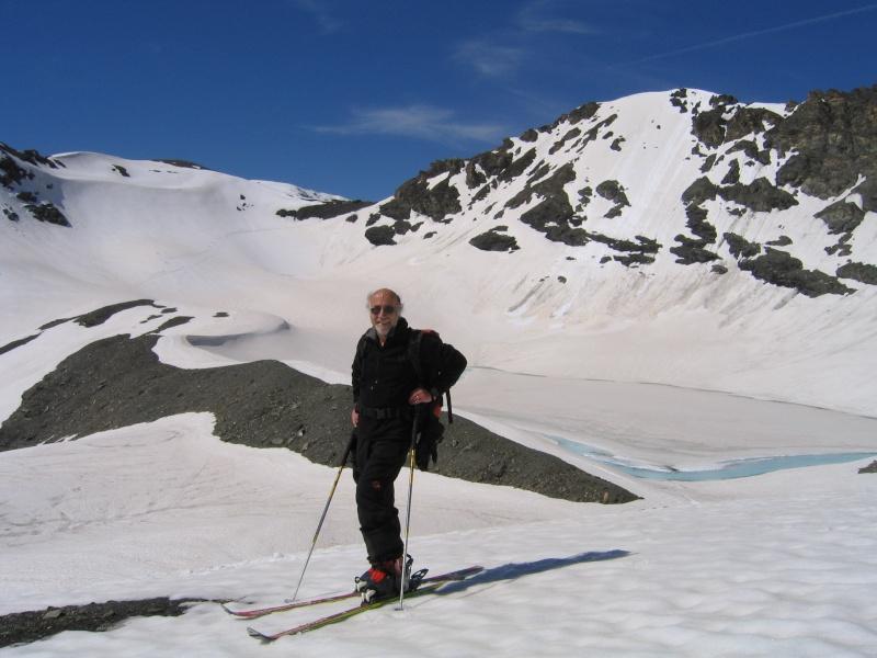 Pointe Nord de Bézin à skis, dimanche 14 juin 2009 2009_055