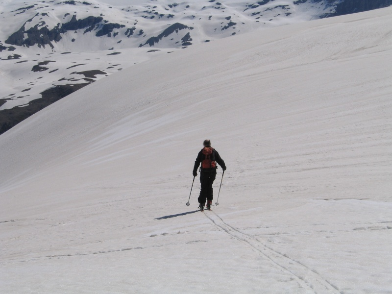 Pointe Nord de Bézin à skis, dimanche 14 juin 2009 2009_056