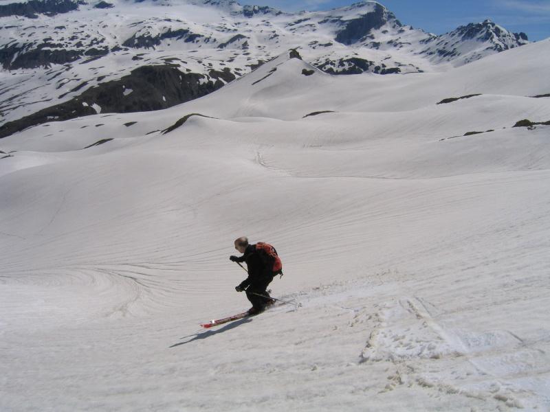 Pointe Nord de Bézin à skis, dimanche 14 juin 2009 2009_057