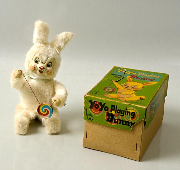 Yoyo Playing Bear Bunny10