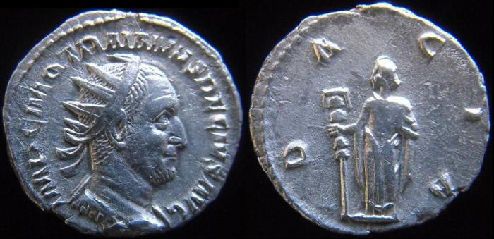 Trajan Dèce - Page 2 Trajan11