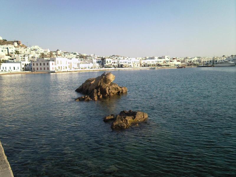 Croisière en méditerrannée - Page 2 Mykono18