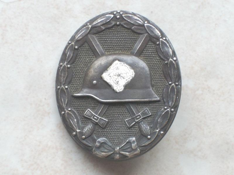 lot insignes Dscn2410