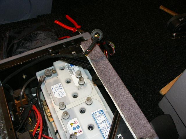 Sièges chauffant: accès aux fusibles. Pict0011
