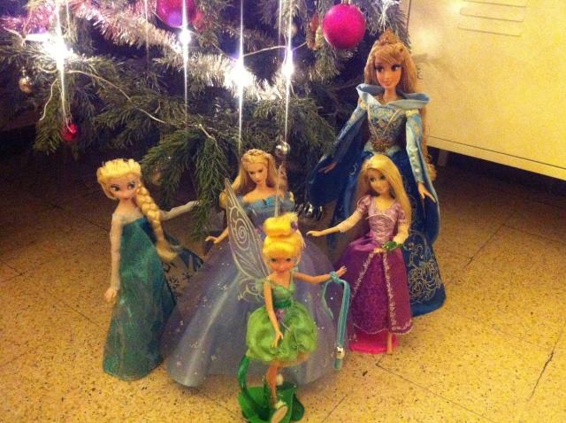Ma collection des poupées des films de DISNEY - Page 6 Img_8533
