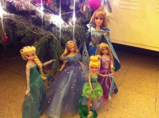 Ma collection des poupées des films de DISNEY - Page 6 Img_8644